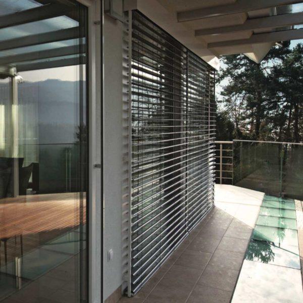 fenster insektenschutz sonnenschutz rund ums fenster. Black Bedroom Furniture Sets. Home Design Ideas